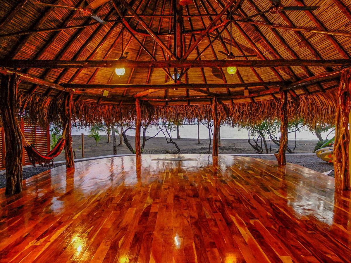 yoga meditation travel retreat